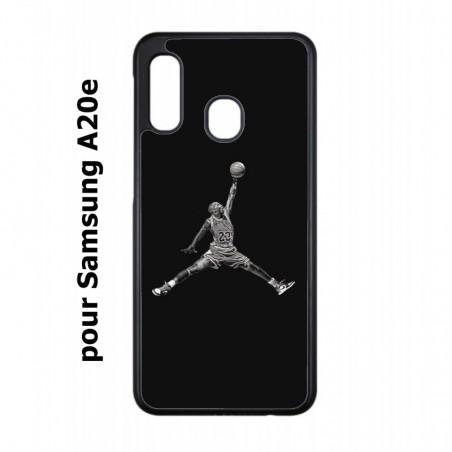 Coque noire pour Samsung Galaxy A20e Michael Jordan 23 shoot Chicago Bulls Basket